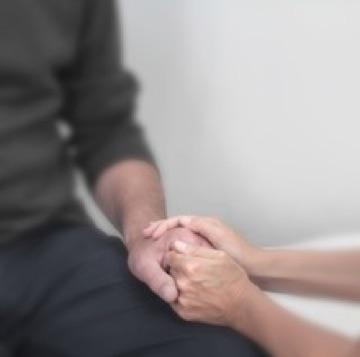 clare-gilsenan-bereavement-holding-hands